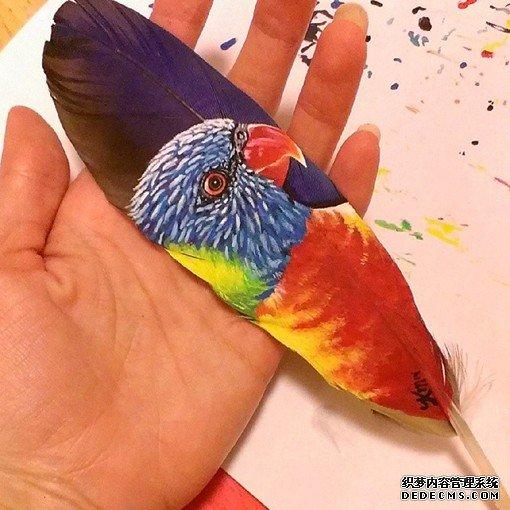 在羽毛上进行绘画创作是一种什么样的体验_www.psb60.net