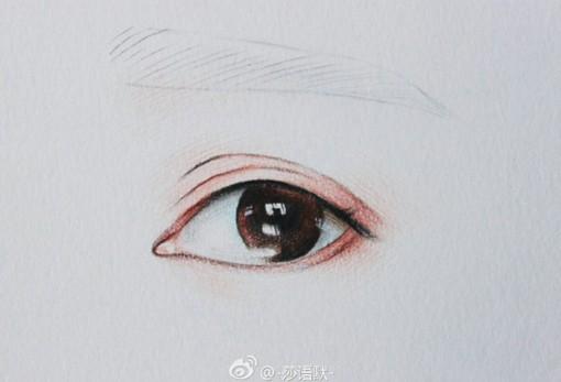 用彩铅画流泪的人物眼睛的唯美绘画教程套图